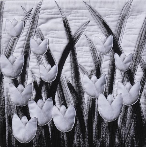 tulips B&W (2)